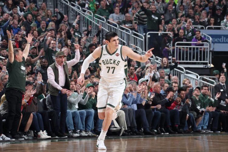 Ersan İlyasova  Milwaukee Bucks'ın Wolves karşısında aldığı galibiyete katkı yaptı #NBAPreseason